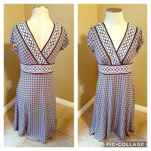Dress Barn vneck geometric stretchy dress EUC